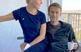 Почему Навального так быстро выписали из немецкой больницы? Говорили, что потребуется длительное время